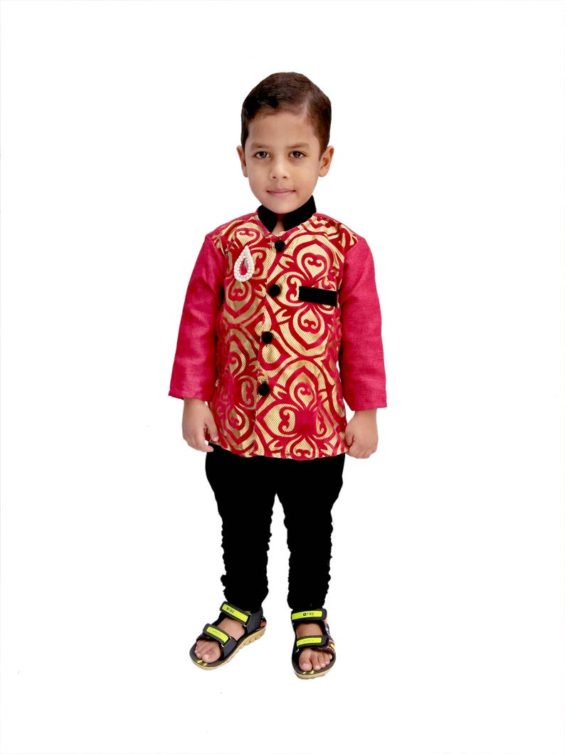 ffa7a62343186 Indian Kid's Wear Red Sherwani Dress Kurta Pajama Suit.
