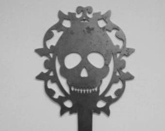 Skull Skeleton Key Metal Art
