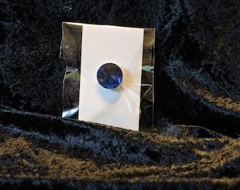 Small Needleminder / Magnet for Cross Stitch Embroidery - Round Rhinestone