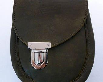 leather sporran with satchel closure