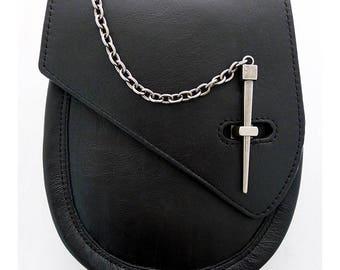 leather sporran with pinlock closure