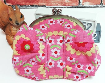 Ruffle coin porch, Clasp Wallet, Mini Wallet, Kisslock Coin Purse, Makeup Bag, Cosmetic Porch, Jewelry Porch, Pink & Flower