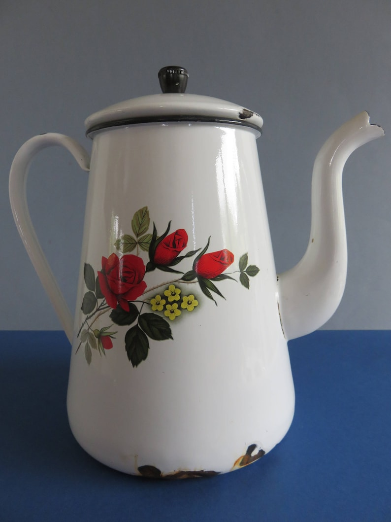 France 40/'s/' -Decor: red roses on White Background Beautiful Old Enamelled Coffee Pot Brittany