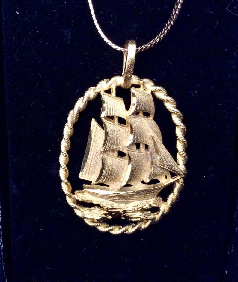 Nautical sailing ship gold neckless and charm