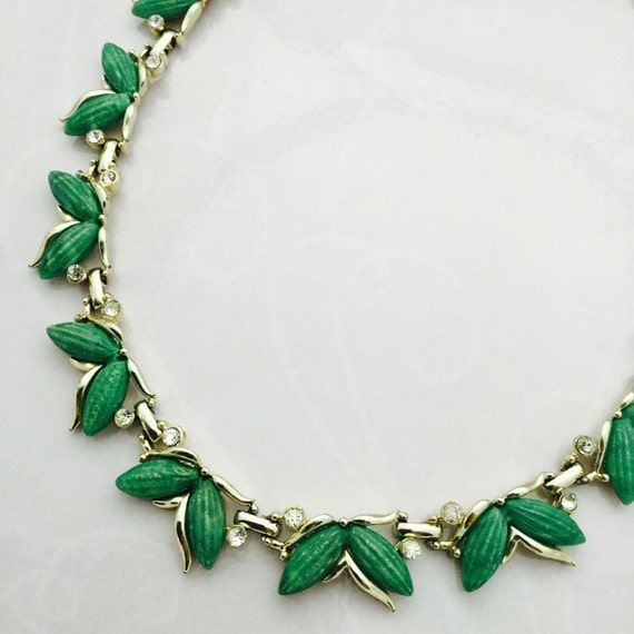 KRAMER Necklace Silver Tone Leaves With Green Rhinestones Adjustable Length Free Shipping Within the USA