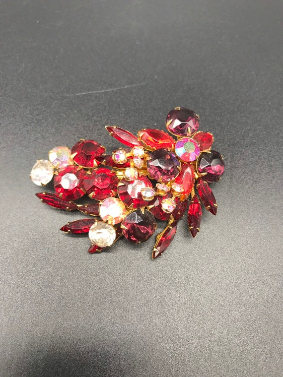 1950's Red Rhinestone Brooch - image 4