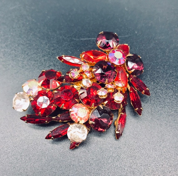 1950's Red Rhinestone Brooch - image 3