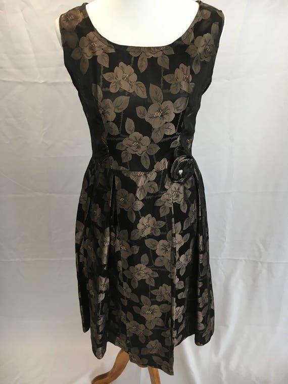 Lovely 50's Brocade Floral Dress