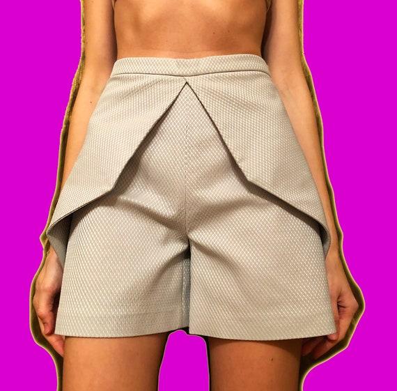 Origami shorts Sistan Varvara/Y2K shorts/Pearl gra