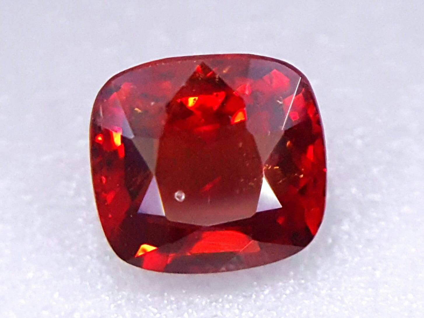 0,87 ct couleur de très bonne! Top rouge spinelle Tanzanie Tanzanie spinelle plein feu naturel 0495f3