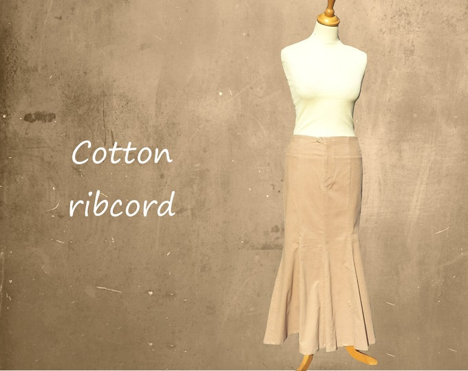 Corduroy maxi skirt in hourglass line, maxi ribcord skirt
