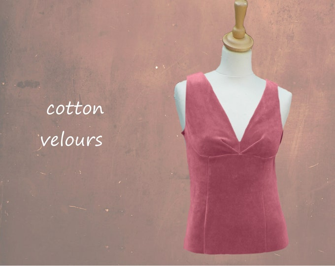 velours top with pleated V neckline
