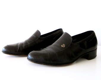 50% of Proceeds go to Planned Parenthood! Vintage Black Florsheim Designer Loafers, Men's Shoes Size 8.5, Minimal Leather Shoes, Heel Shoes
