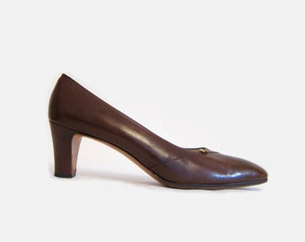 Vintage Ferragamo High Heels: 50% of Proceeds go to Planned Parenthood! Brown Ferragamo Leather Pumps, Size 8 Women's Designer Shoes, Narrow