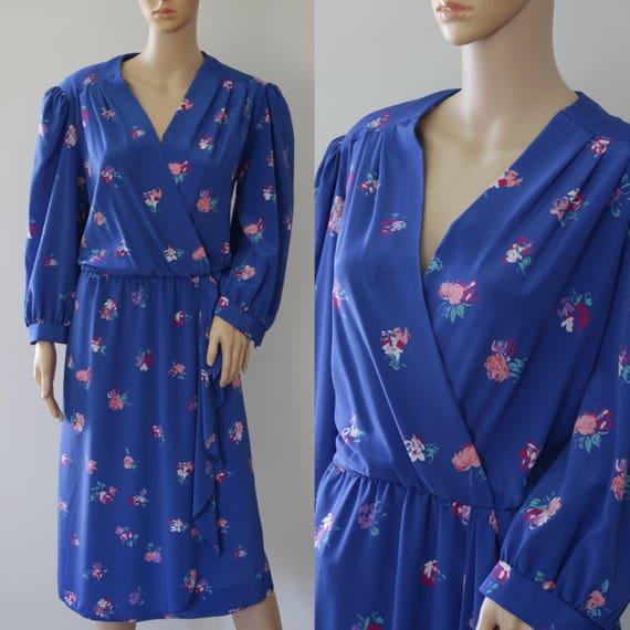 SALE  - Pretty 70s/80s Blue Floral Dress