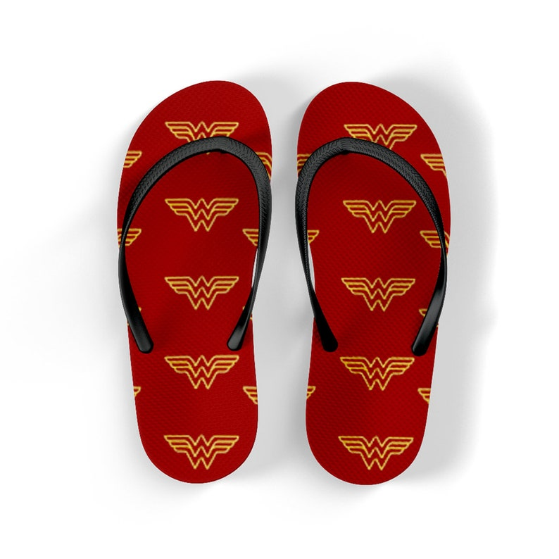 6b15625c5392d0 Flip flops wonder woman logo red and white for summer geek