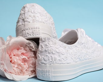Luxury White Bride Converse, Lace Converse For Bride, Custom Wedding Shoes For Dancing, Destination Wedding Shoes, Bridal Shiwer Gift