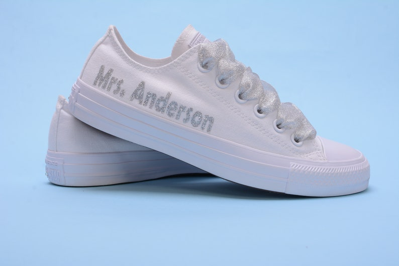 daa69809771 Gepersonaliseerde bruiloft Converse sneakers | Etsy