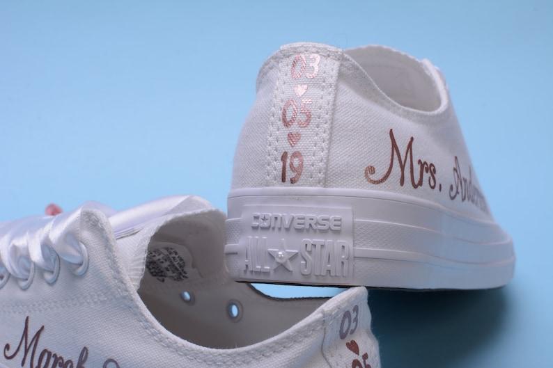 Personalisierte Rose Gold Folie Converse Trainer personalisierte für Braut, kundenspezifische Goldfolie Rose Hochzeit Converse Sneaker, Braut Converse