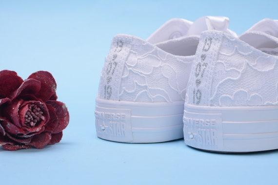Weiße Spitze Converse Schuhe für Braut, weiße Converse, Awesome Hochzeits Trainer Hochzeit, Converse niedrigen Top Sneaker Dusche Geschenk