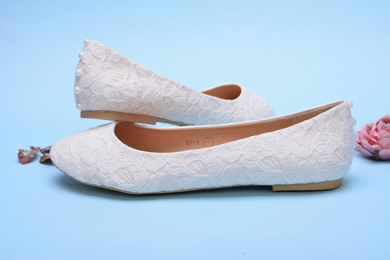 Custom wedding shoes, Flat wedding shoes covered with Lace