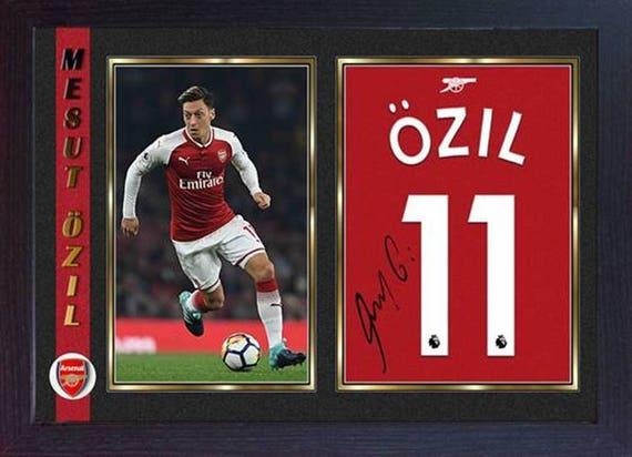 99dfe4246 Mesut Ozil podpisany Autograph Arsenal zdjęcie Print oprawione
