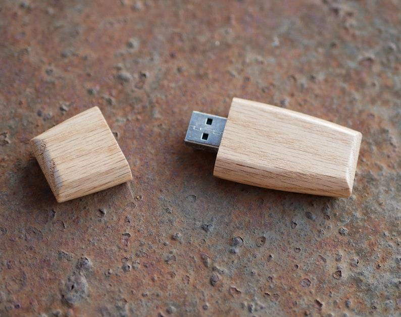 Walnut usb Maple usb USB Wedding Favor 16gb or 32gb Engraved Wood usb Flash Drive Wedding USB Drive With Box Custom usb Stick With Box
