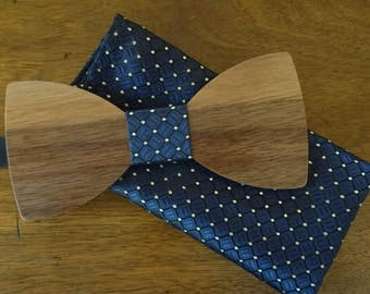 Walnut wood bow tie + blue pocket hanky, personalized with name engraved