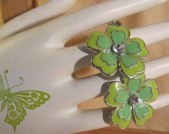 70s Enamel Flower Earrings Spring Green! Mod, Retro, Vintage Boho