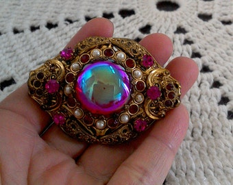 Stunning Vintage GERMAN Gold Tone Brooch Pink Gemstone/Glass with Pearl Stud Seeds