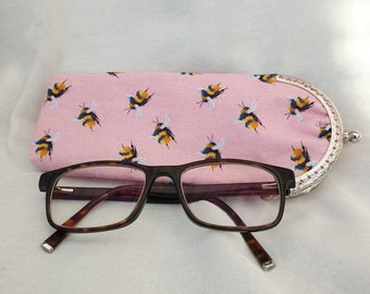 Animal Activity Cat Photograph Picture Glasses Case Eyeglasses Clam Shell Holder Storage Box