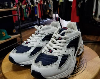 14fef87f5 Vintage Tommy Hilfiger tech running sneakers size 5