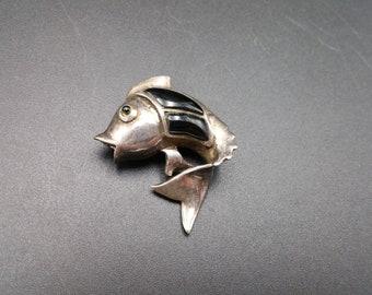Sterling Fish Pin Onyx Inlay Brooch Vintage Silver Pin