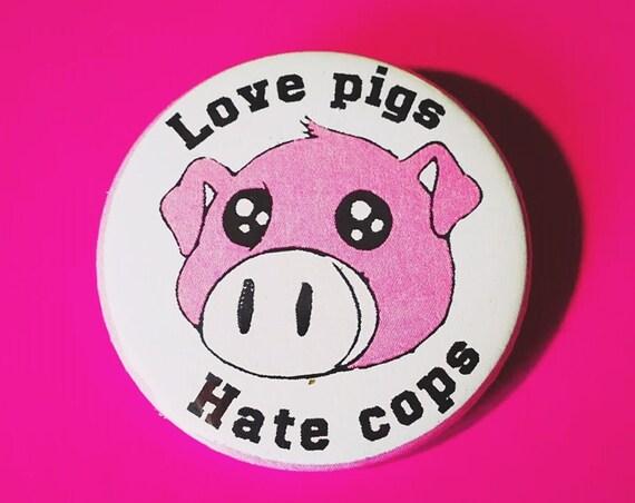 Metal plate/Pin 38 mm standard size. Love Pigs
