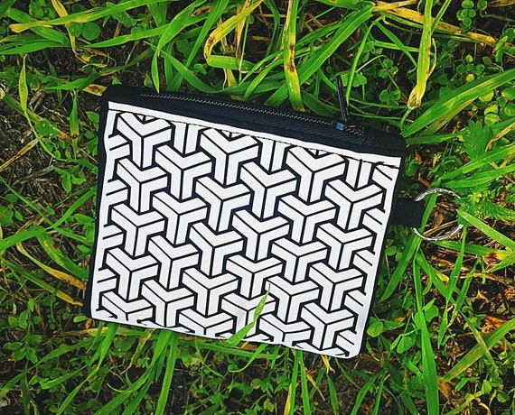 Wallets / Mini Cotton Bag to Geometric Print. CONFECTION of 100% handmade fabric. Nylon plastic zipper closure.