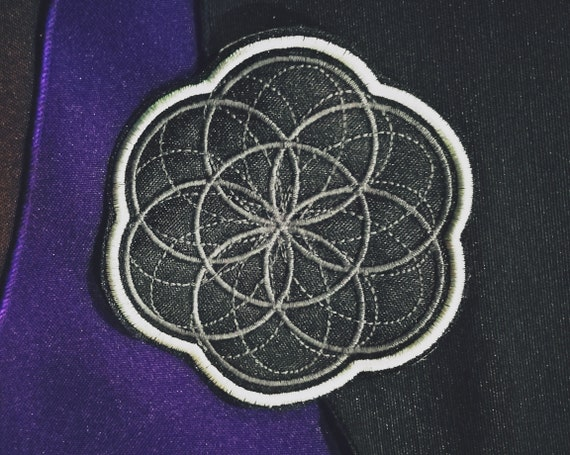 Embroidered Patch Flower of Life Grey Tone and Bright Grey White border. Size approx 9 cm.