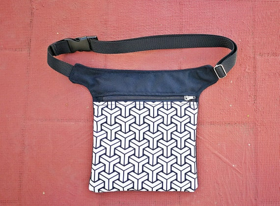 Waist and bag fanny pack. 1 pocket with picture applied in vinyl HipBag waist size to your measurement