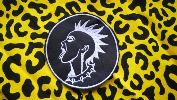 Embroidered patches in thread size 10 cm punkgirl
