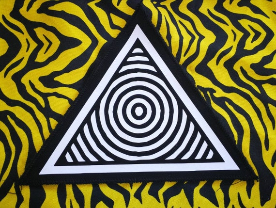 Textile vinyl patches ready to sew. Triangular visual design. Trimmed edges (non-fraying)