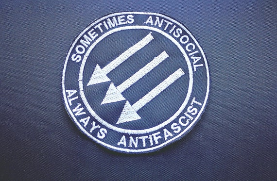 Embroidered patches in thread size 10 cm red or white thread to choose. Sometimes Antisocial always antifascist
