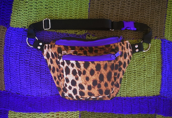 2-pocket #leopard. Zipper color and clip to choose: purple, fuchsia, red or black.