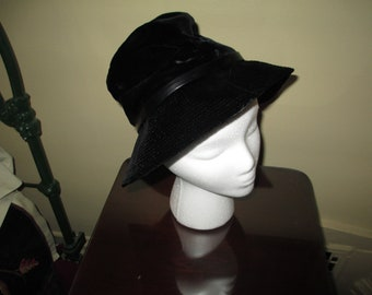 15303ccc96f Very High Style Woman s Black Velvet Floppy Hat ~ Union Made in USA