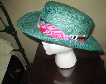 812354e5 Very Nice Quality Vintage Town Talk Beach Hat / Made in USA
