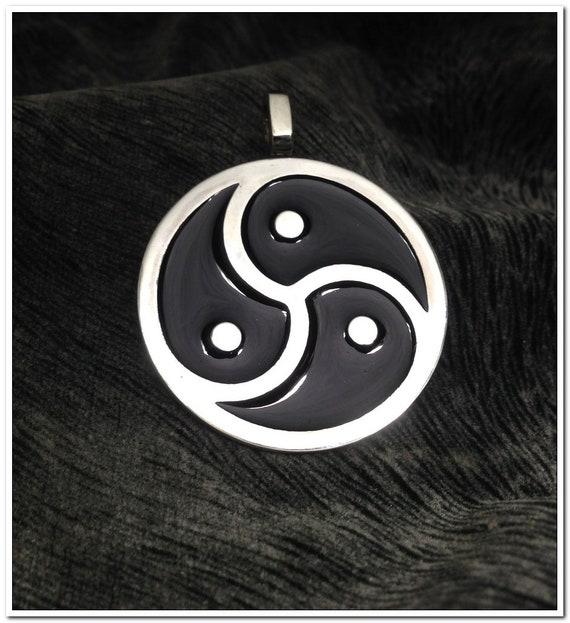 shy-exgf-masters-bdsm-symbol-pendants-emperors