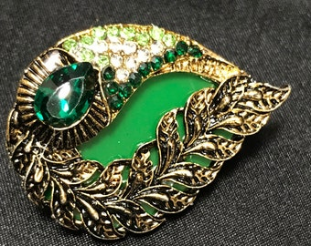 a21becd3a0c Green Brooch - Indian Brooch - Indian Bridal - Pakistani Jewelry - South  Indian Accessories - Saree Brooch - Sari Pin - Saree Pin - Desi -