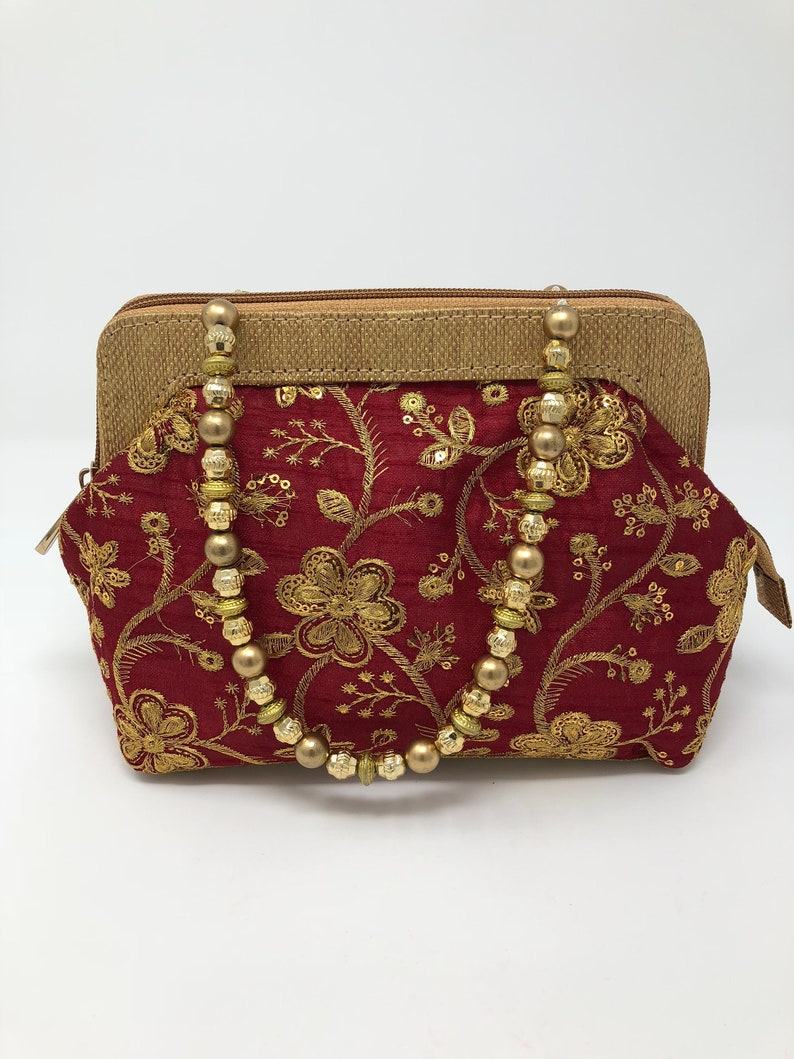 52e4137386007 Indian Bridal Purse - Indian Wedding Purse - Red and Gold Evening Clutch -  Indian Clutch - Handmade Embroidered Purse -