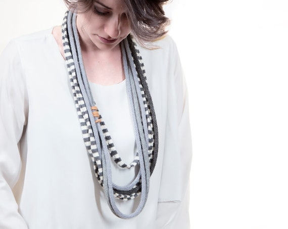 Handmade Necklace, Contemporary Jewelry, Made in Italy-Mod 10-25