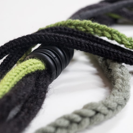 Handmade necklace made of crocheted wool yarn and cotton webbing with rubber applications - Green and black - Made in Italy Mod 023