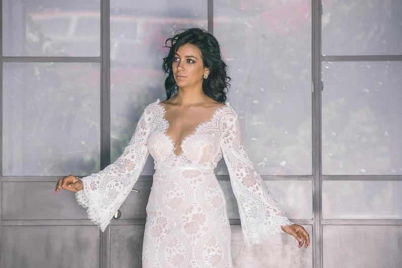 b4543073e3a Boho Wedding Dress Plunging Neck Dress Lace Wedding Dress