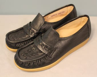 Vintage Step into the Comfort Zone Size 6 Black Slip On Shoes  RN#3879-240823R1 Made in the USA